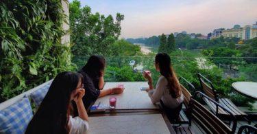 Avalon cafe & Lounge near Hoan Kiem Lake