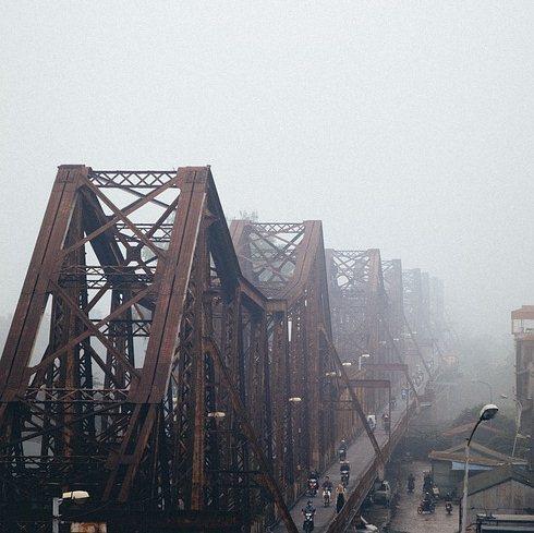 bong bien bridge hanoi