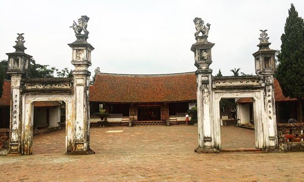 Mong Phu village communal house