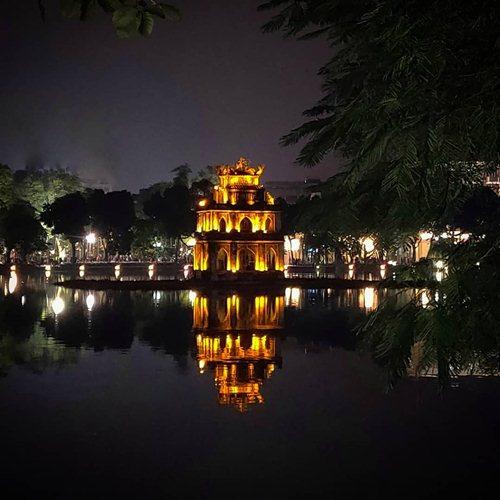 turtle tower in hanoi